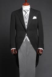 結婚式のモーニングネクタイの結び方ボタンのかけ方カフスのつけ